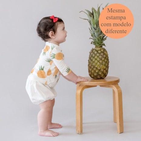 """cardigan de algodão pima orgânico estampa abacaxi com a tag """"mesma estampa com modelo diferente"""""""