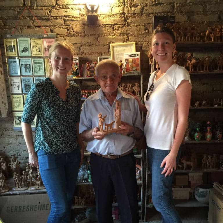 Filho do mestre Vitalino, mestre de figurinas de barro - Caruaru 2016 - Timirim