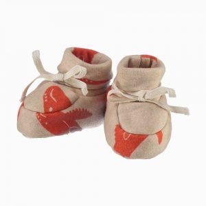 Sapatinhos de bebê de algodão pima orgânico estampa baleia vermelha