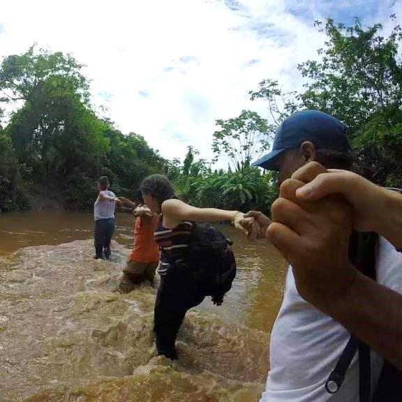 Timirim blogpost 1 equipe no rio Peru