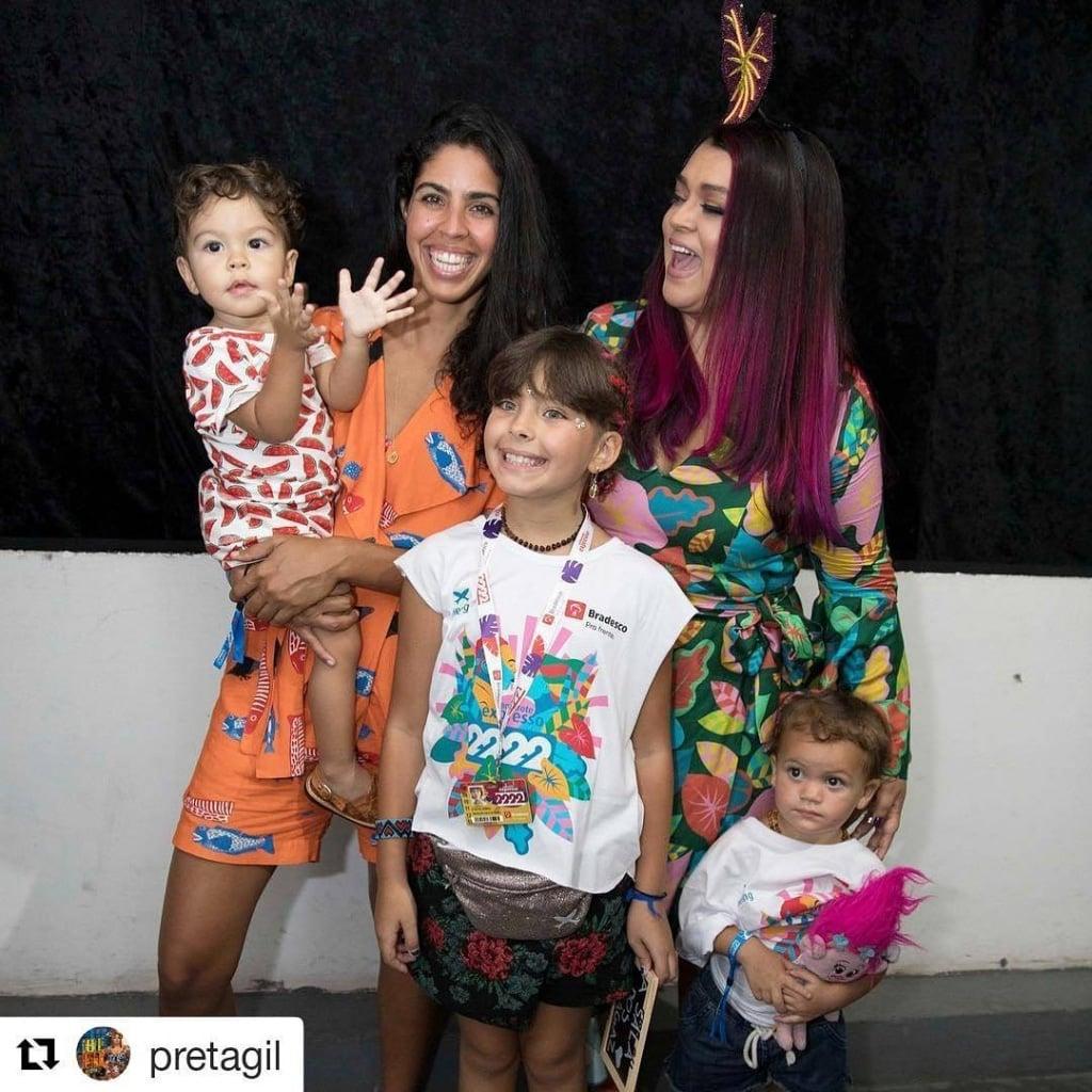 Bela Gil, Preta Gil e o Nino usando roupa da Timirim - 2018