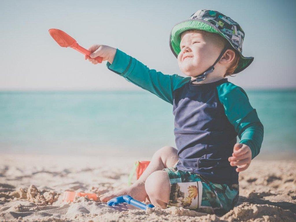 Timirim blog post Oceano bebe na praia de chapeu e lycra