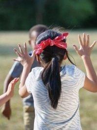 Blog timirim aniversario ecologico festa criança jardim jogo Colin Maillard