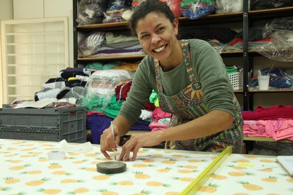 Corte das peças algodão orgânico confecção Timirim blogpost 8 - 2