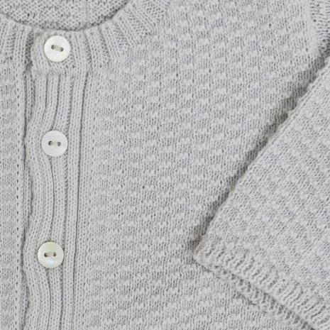 casaco de trico de algodao organico cinza detalhe