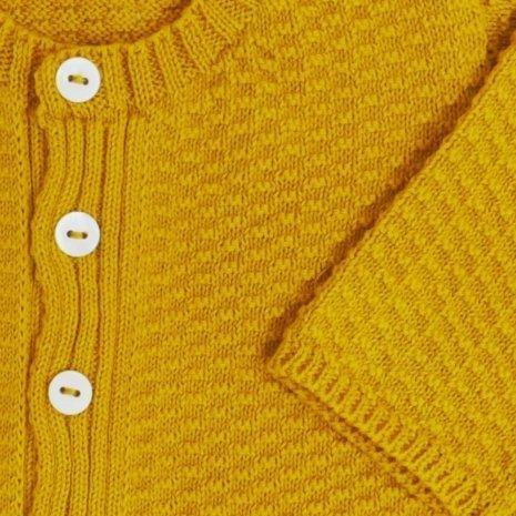 casaco de trico de algodao organico mostarda detalhe
