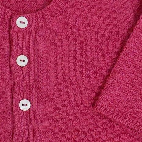 casaco de trico de algodao organico rosa detalhe