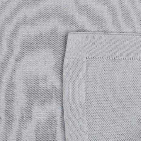 manta de trico de algodao organico cinza detalhe