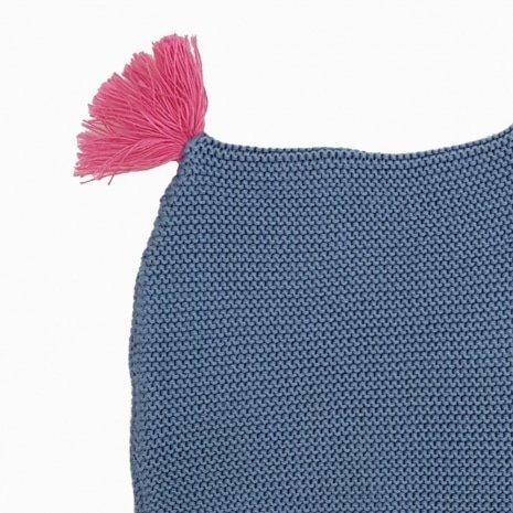 touca de trico de algodao organico azul e rosa detalhe